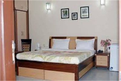 2BHK flat at Dharampeth for girls on rent
