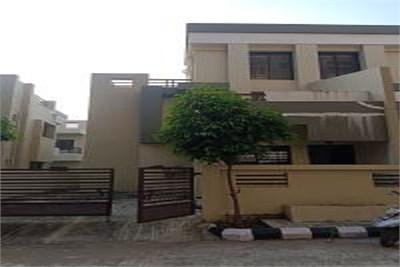 Bungalow for sale at Narendra Nagar