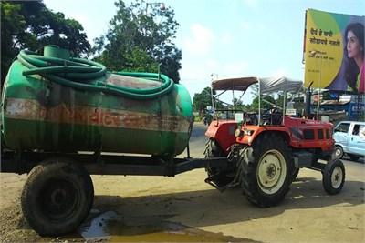 Tractor Truck Water Supplier