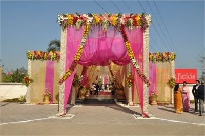 Wedding gate decorations service provider in pune wedding gate wedding gate decorations junglespirit Choice Image