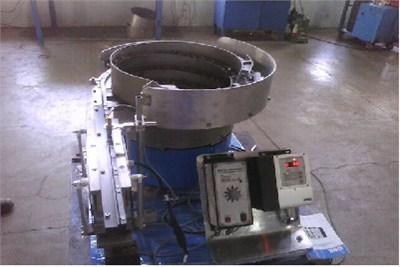 Bowl Feeding With Linear Feeder System