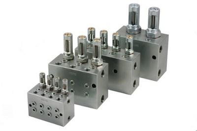 Dual line valves