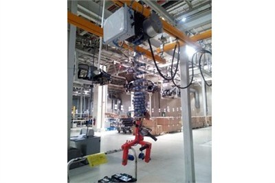 Rail Mounting Battery Lifting System with Vacuum Gripper