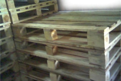 Wooden and Plywood Pallets